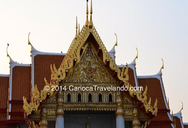 O Templo de Mármore – (Wat Benchamabopitr)