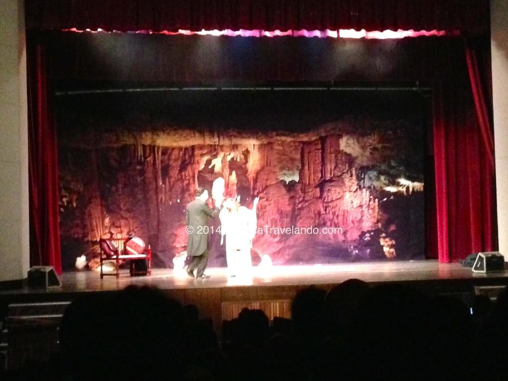 """Assistindo """"O Fantasma da Ópera"""" nas Arábias"""