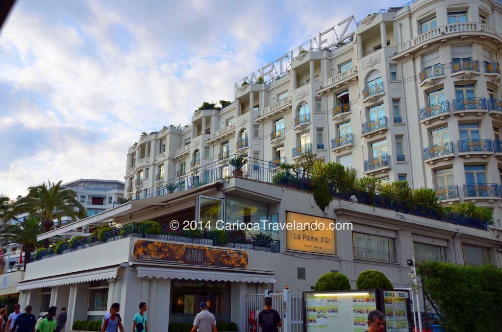 Hotel Cannes Martinez. Originalmente conhecido como 'La Coquette', foi construído por aristocratas ingleses durante o boom imobiliário do final do século XIX.