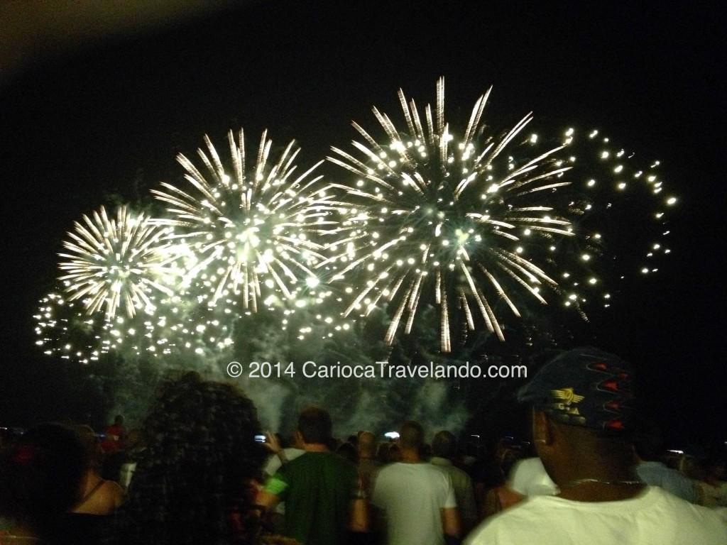 A noite assistimos a queima de fogos do Festival de Fogos de Artifício, que acontece todos os anos no mês de Agosto em Cannes. Foi lindo!