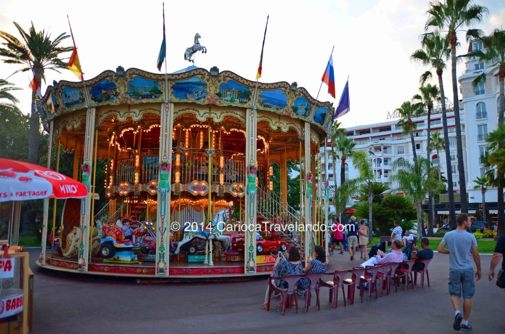 """""""Embarque nesse Carrousel..."""" Cannes"""