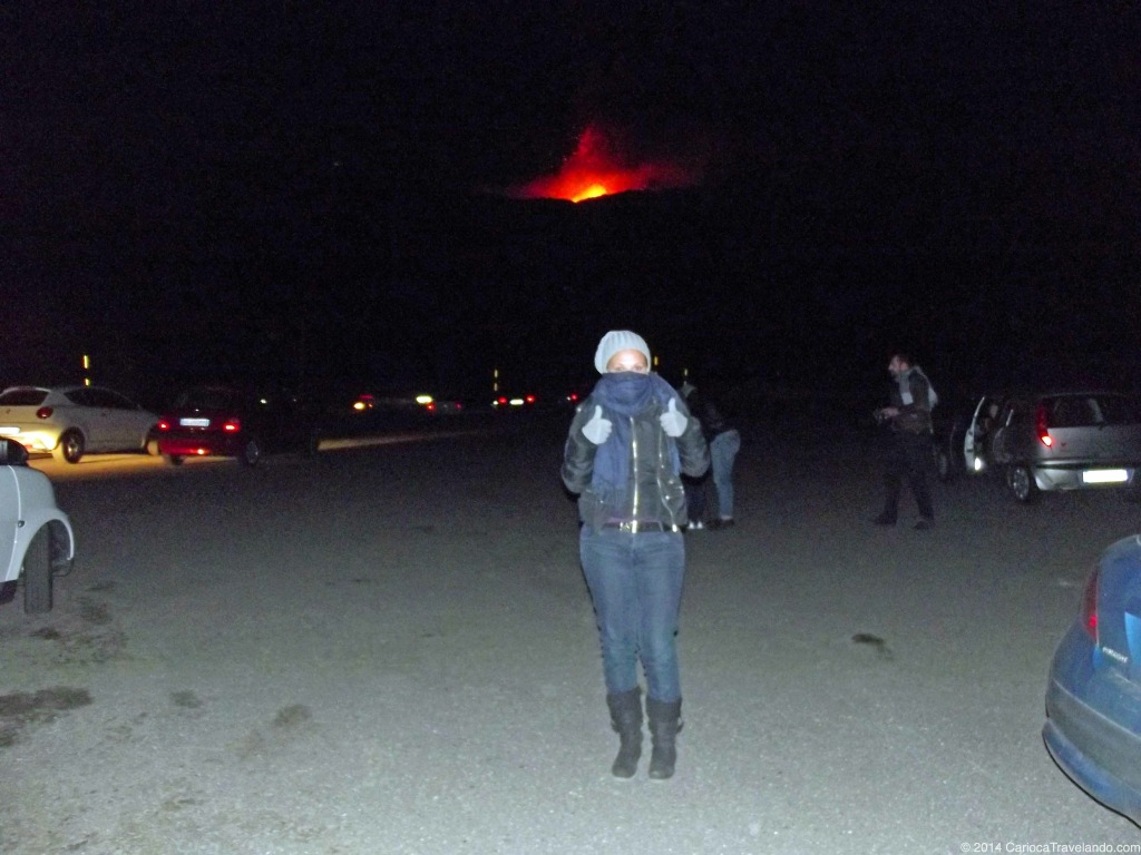 Olha lá o Etna a todo vapor!