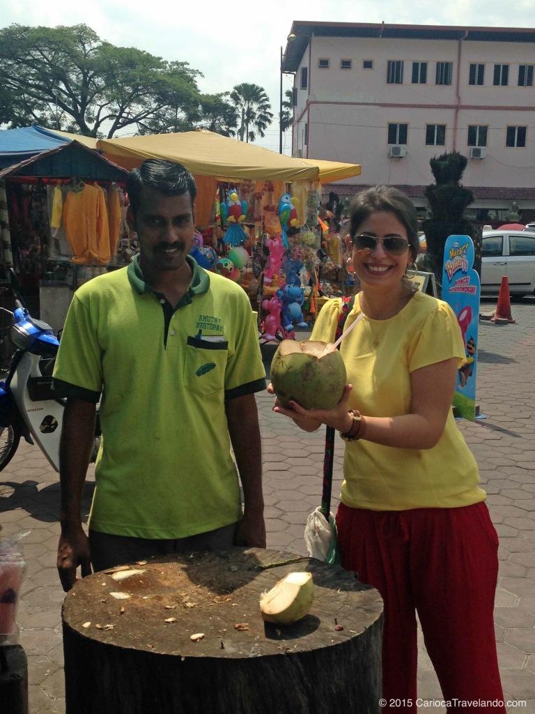 A primeira água de coco em Kuala Lumpur a gente não esquece... ;)