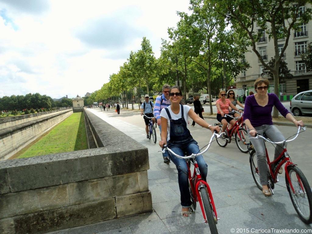 Pedalando em Paris...