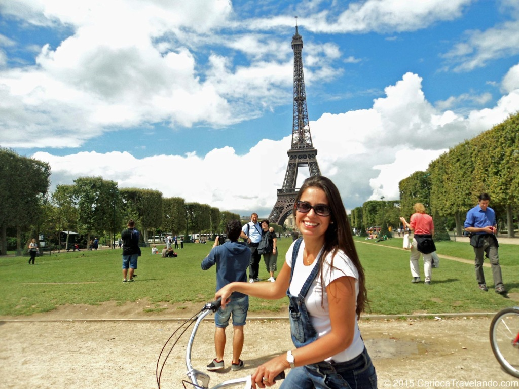 Claro que tem que ter foto com a Torre mais famosa do mundo!