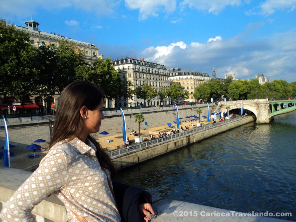 Admirando o Rio Sena