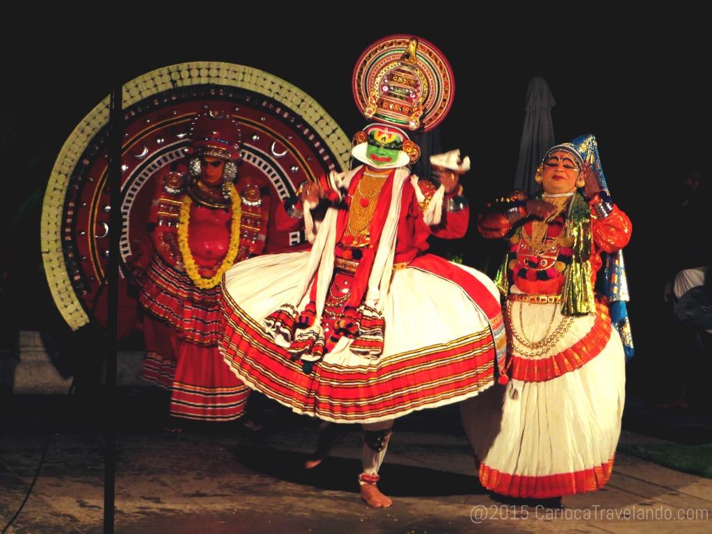 Explosão de cores e ritmos: dança típica de Kerala