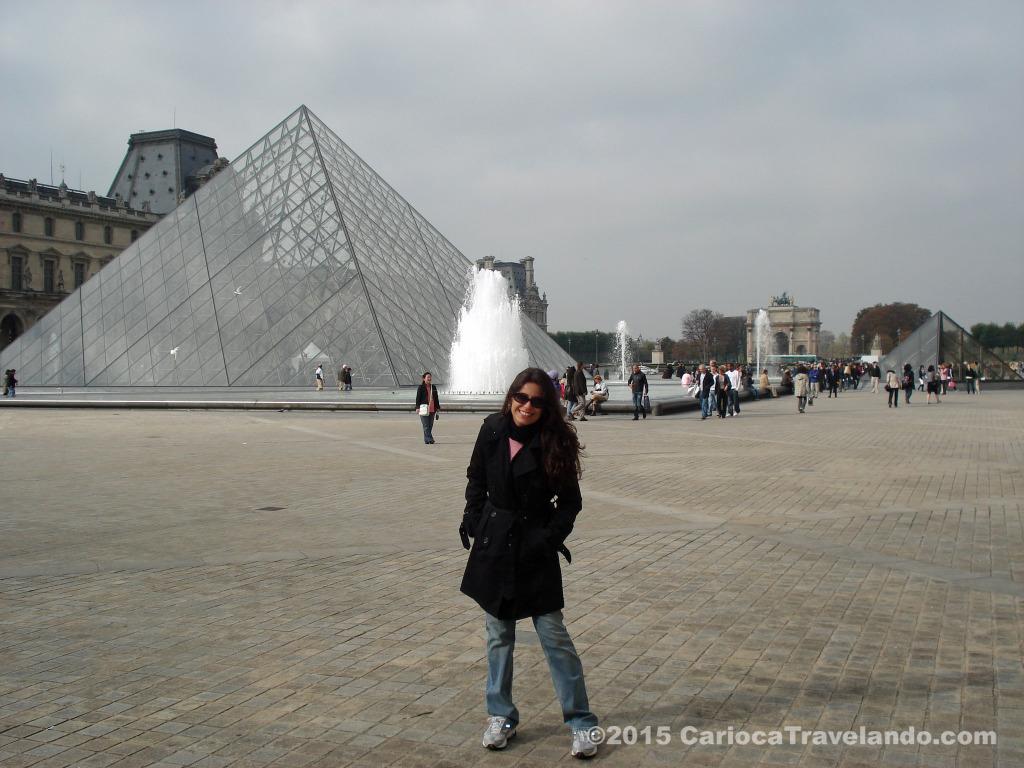 Pronta para conhecer o Louvre