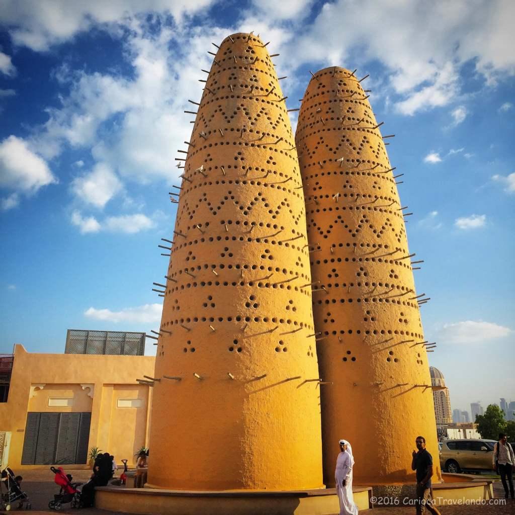 Olha que barato a arquitetura tradicional do Katara Village