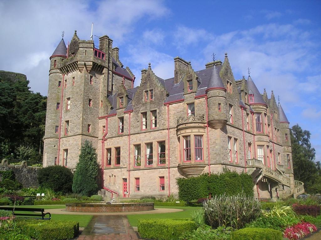 Olha que lindo esse castelo em Belfast.